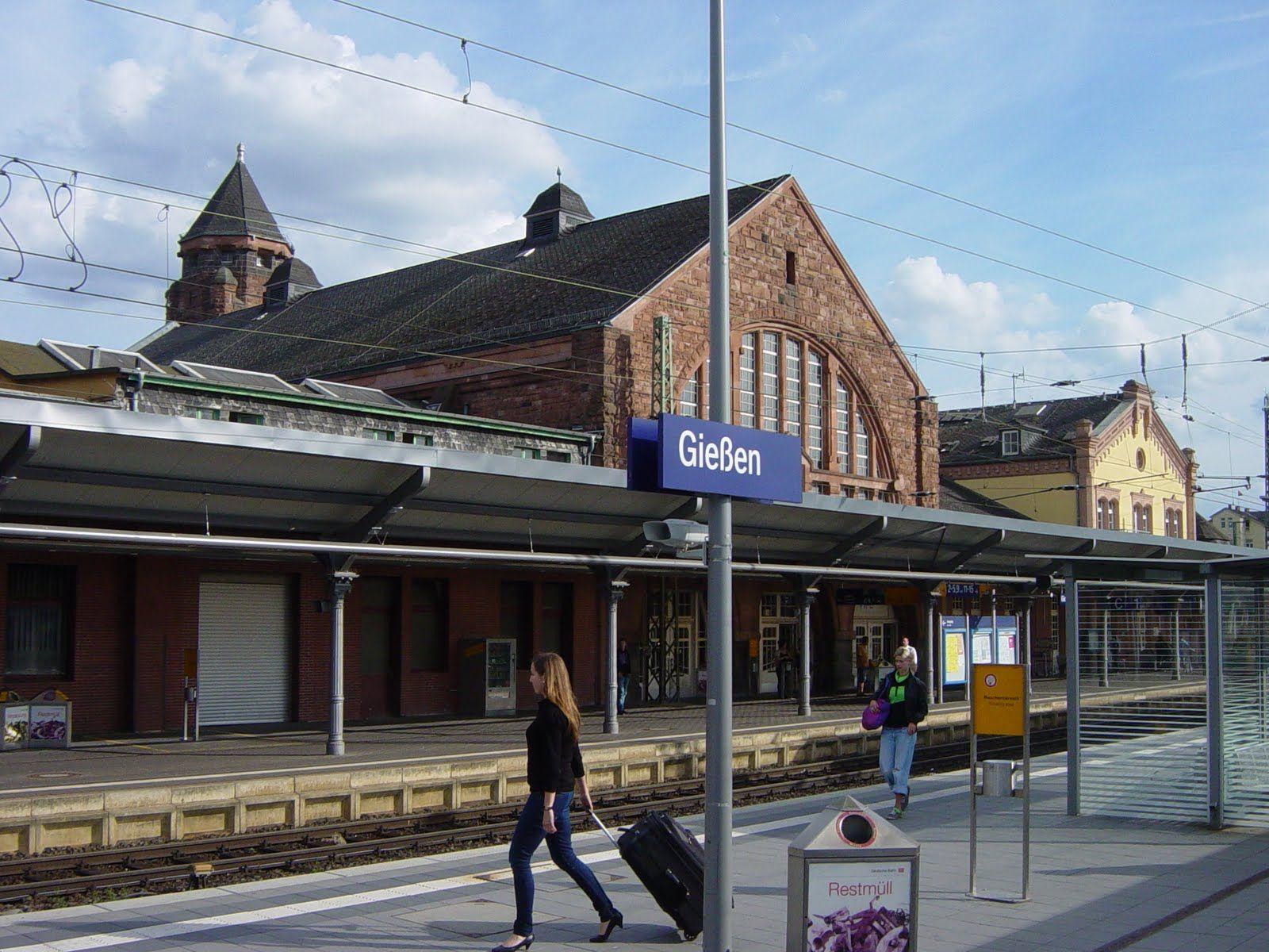 Wo Ist Der Bahnhof Train Station Giessen Germany