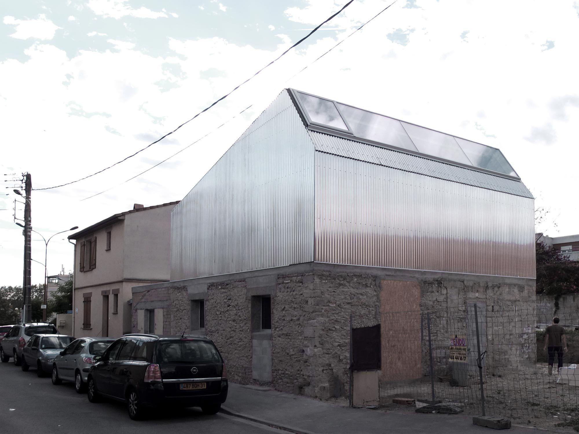 Haus mit hut aufstockung von bast in toulouse architecture