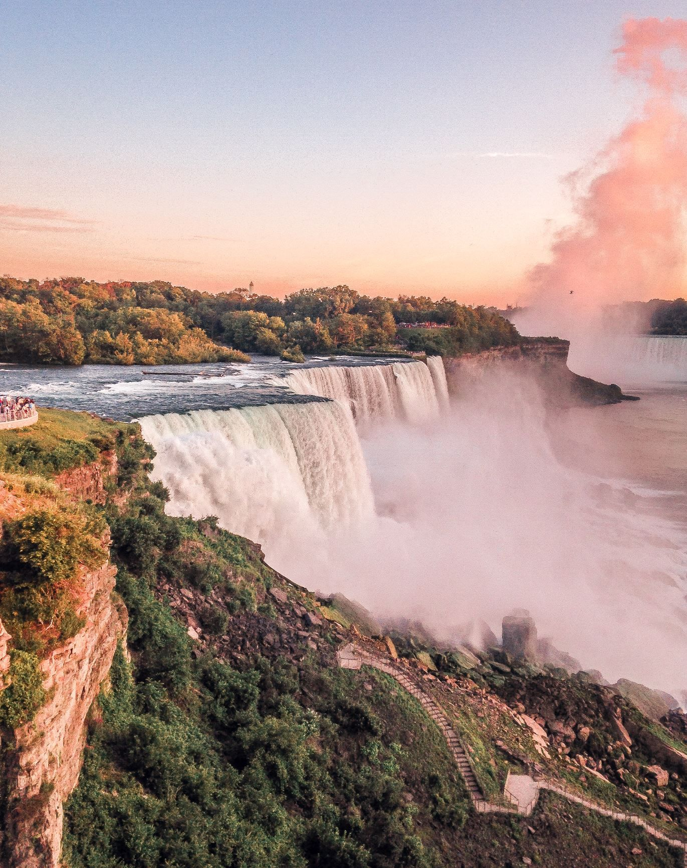 How to visit Niagara Falls | Whisper Wanderlust by Bella