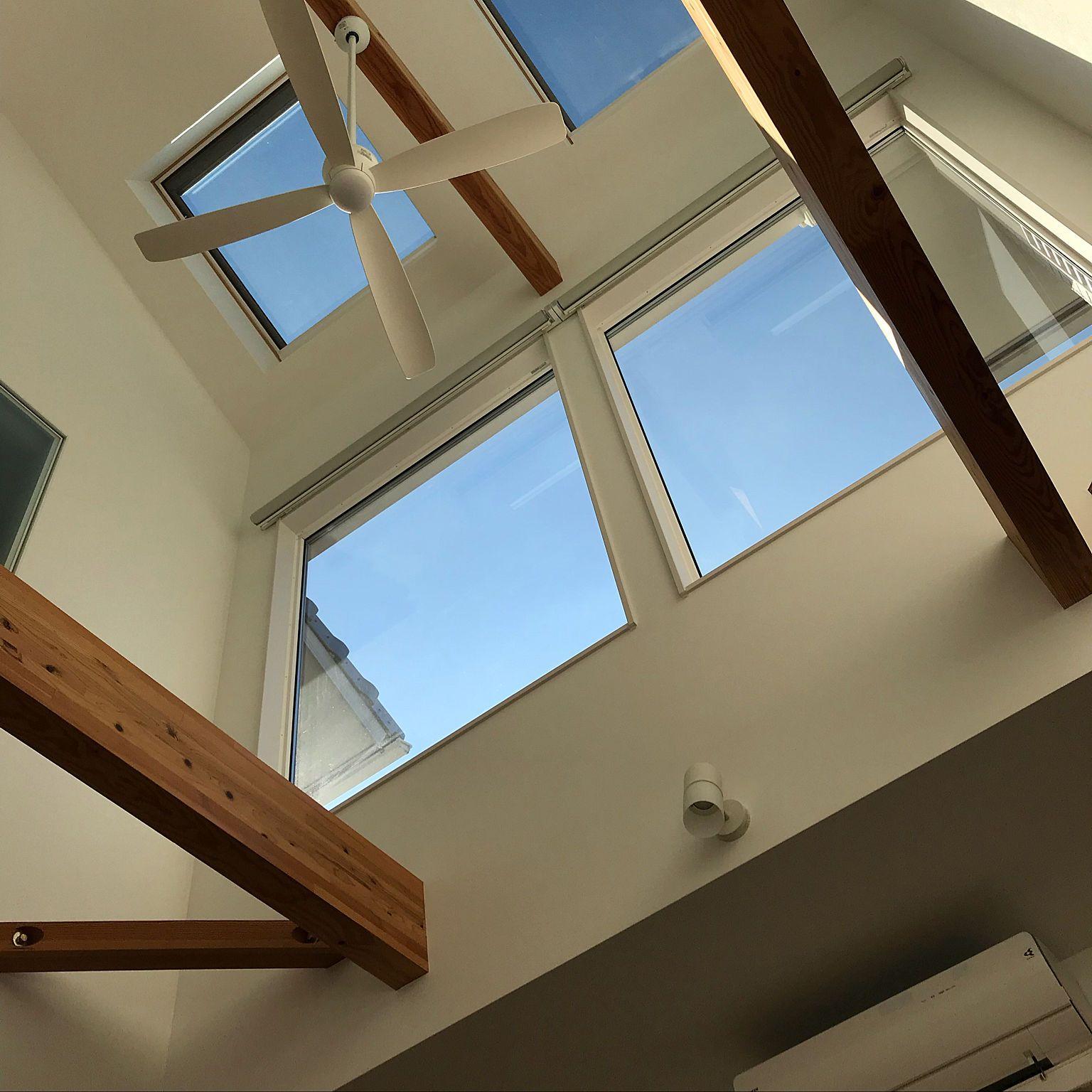 壁 天井 ベルックス ハイサイドライト 窓 シーリングファン 吹抜け