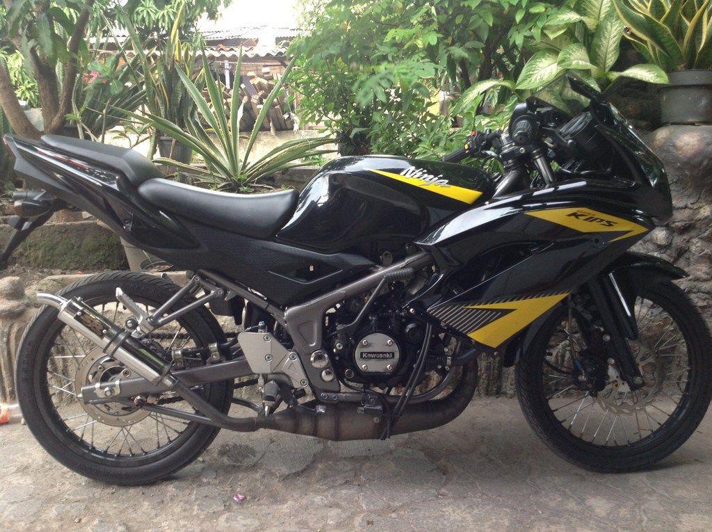 Modifikasi Simpel Kawasaki NINJA RR BLACK Velg Jari-jari