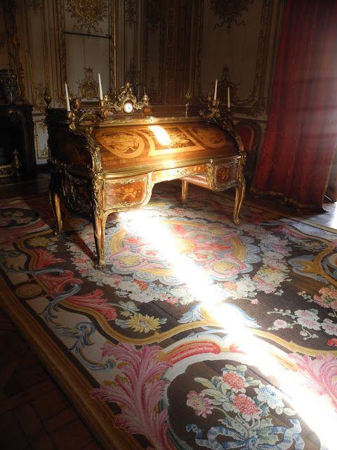 Château de Versailles ~ Secrétaire à cylindre de Louis XV dans le