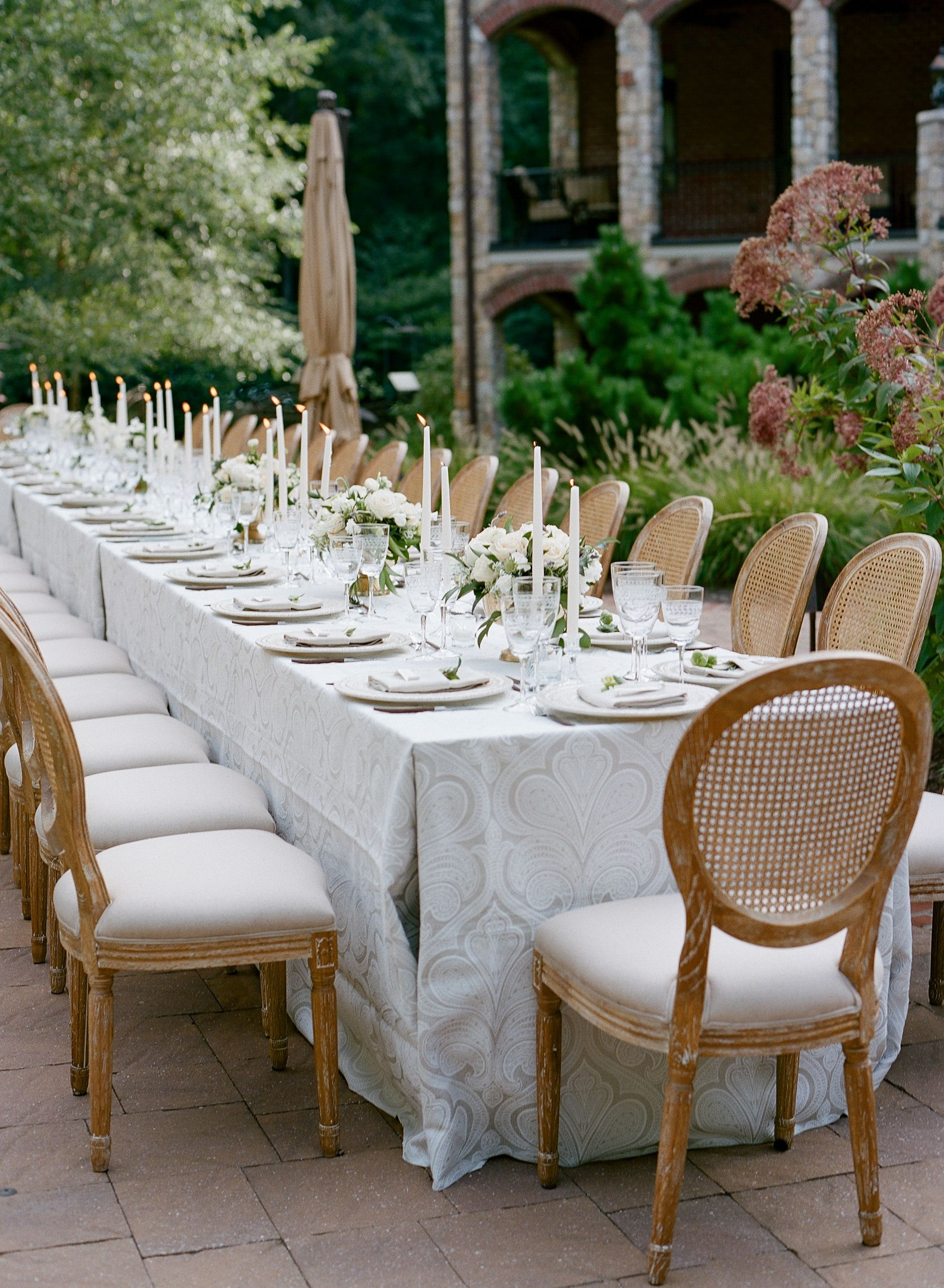 Leesburg Virginia Wedding Tablescape Inspiration Design Planning Florals A Charming Affair Rentals White Glov Dining Chairs White Dining Chairs Dining