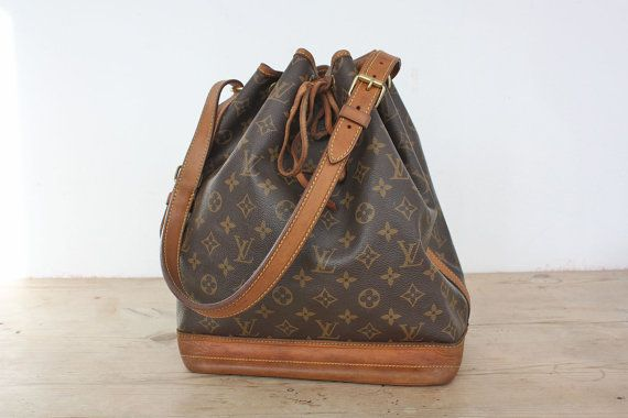 "Authentic "" Vuitton"" Bicolor Bucket Bag, Drawstring Bag, Crossbody Bag, Shoulder Bag in Brown Monogram Fabric and Camel Leather"