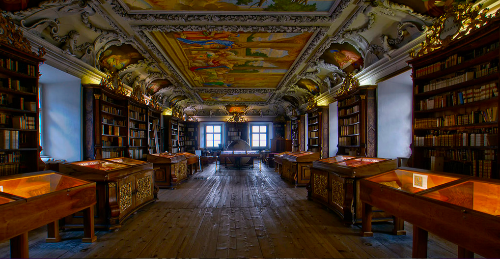 La Biblioteca di Kremsmünster che  è un'abbazia cattolica benedettina nella cittadina omonima, nell'Alta Austria.