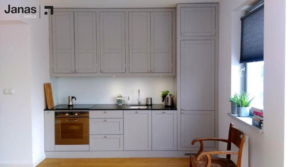 Niewielka Lecz Pelna Uroku Kuchnia Zaprojektowana Na Wzor Naszej Kuchni Royal Prezentuje Sie Swietnie Bo Male Jest Piekne Www Me Home Home Decor Decor