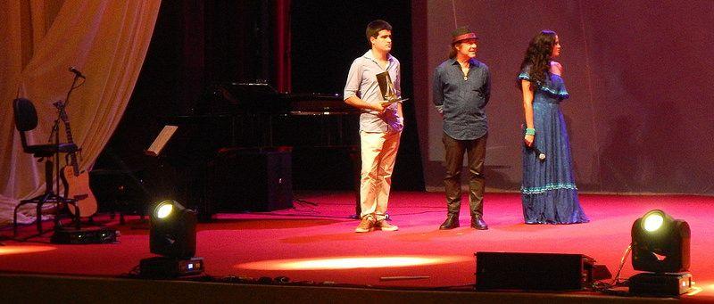 ERIC ASSMAR - PRÊMIO CAYMMI DE MÚSICA !!! Troféu Melhor Instrumentista !!! Teatro Castro Alves !!! Salvador-Bahia-Brasil (30-04-2015)