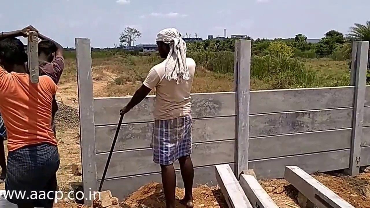 Installation Of Precast Concrete Fence Post Diy In 2020 Concrete Fence Concrete Fence Posts Precast Concrete