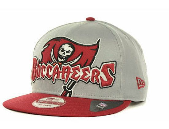 "NFL x NEW ERA ""Tampa Bay Buccaneers Squared Up"" 9FIFTY Snapback Cap ... fcb6fc0e43b2"
