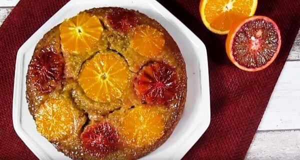 Torta rovesciata all'arancia: un dolce delizioso e leggero, perfetto sia per colazione che per merenda. Scopriamo assieme come prepararlo!