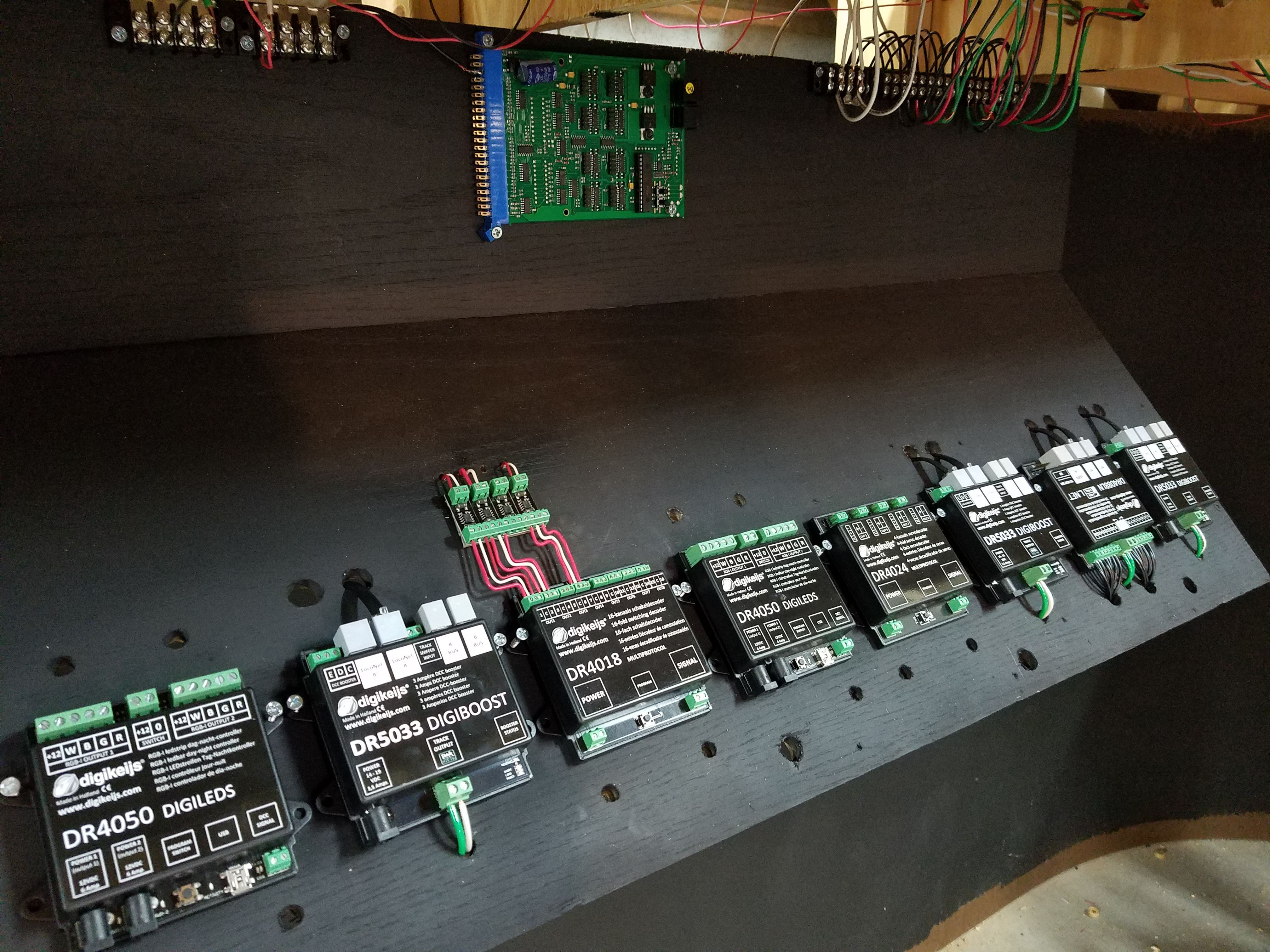 loconet wiring diagrams wiring library Wiring House Home digikeijs loconet compatible boosters, switch decoders, signal decoders, servo decoders, occupancy detection