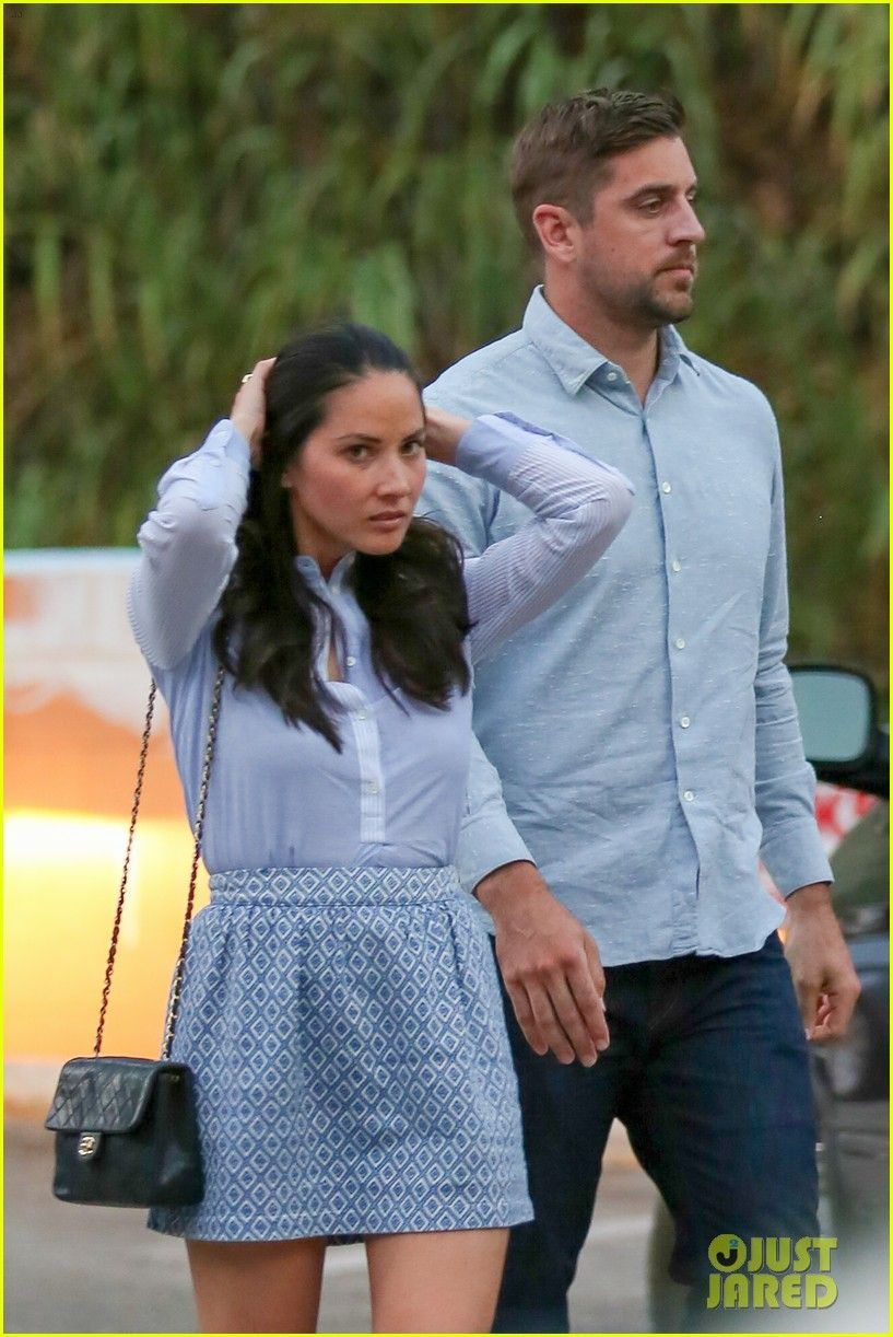 Olivia Munn Aaron Rodgers Hold Hands Match For Dinner Olivia Munn Aaron Rodgers Hold Hands Lunch 01 Photo Olivia Munn Olivia Munn Style Skinny Clothes