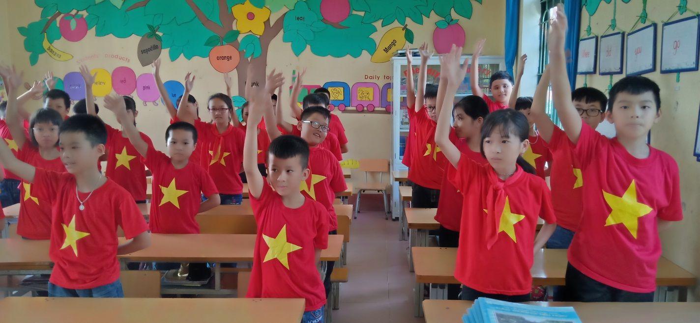 áo cờ đỏ sao vàng trường tiểu học lê Hồng Phong - Hình 1