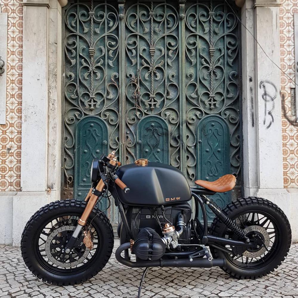 "Bandit Garage on Instagram: ""BMW R100 🇨🇭 by Bandit Garage  #caferacergram #bmwr80 #bmwmotorrad #bmwlifestyle #caferacerporn #motorbike #motorcycle #bmwcaferacer…"""