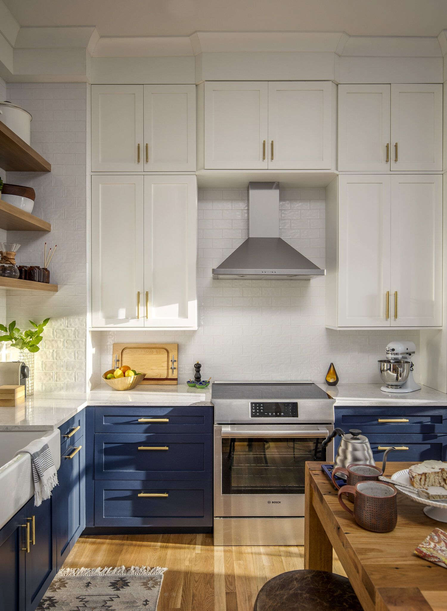 What Color Is Sherwin Williams Naval Blue Color Amazing Designs In 2020 Tiny Kitchen Kitchen Kitchen Trends