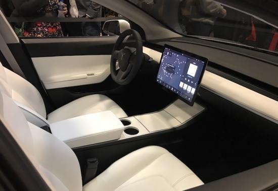 officieel tesla model 3 krijgt een minimalistisch interieur