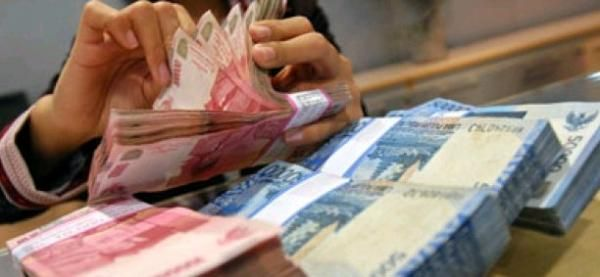 Rupiah Sore Menguat 15 Poin ke Rp13.295/USD