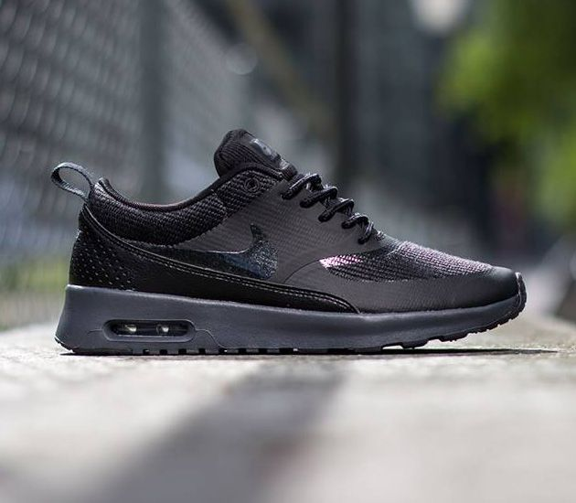 Calle principal Medicina Forense yeso  Nike Air Max Thea - Black / Black | Nike air max thea black, Nike air max  thea, Sports shoes outfit
