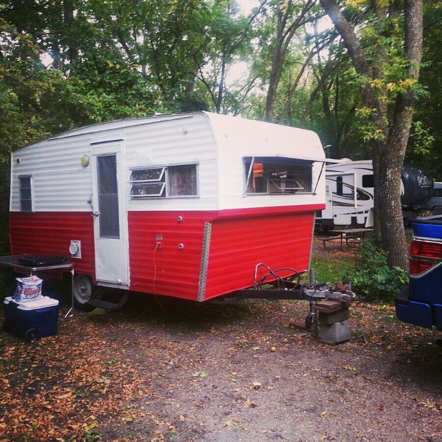 Our Adorable 1971 Jet Vintage Travel Trailer For Sale Now I Will Miss This Girl Vintage Travel Trailers Vintage Trailers Vintage Camping