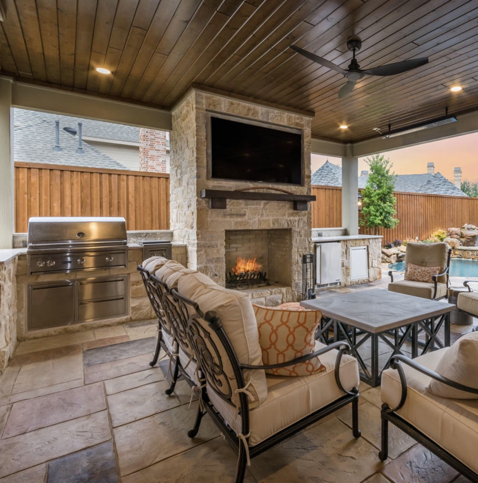 Outdoor Living At It S Finest Fireplace Kitchen Pool Patio Outdoorliving With Images Outdoor Fireplace Patio Patio Fireplace Outdoor Covered Patio