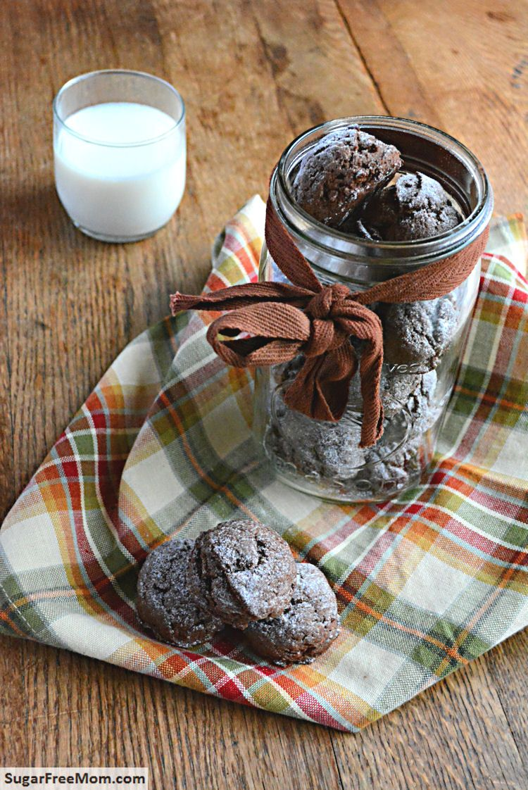 #Gluten and #SugarFree Chocolate Crinkle Cookies