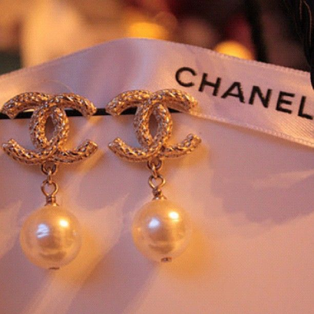 A dream is a wish. Chanel ✨ #wishlist extra pic!!:) -