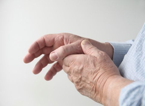 Living With Rheumatoid Arthritis: Coping With The Pain