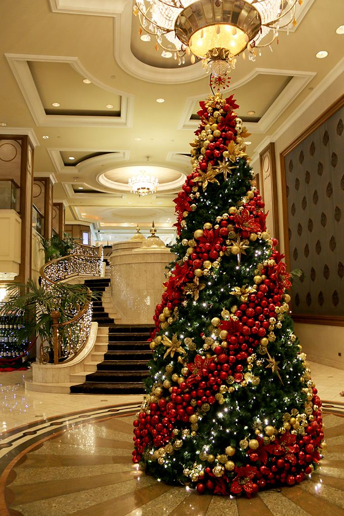 A Glamorous Staycation At The Langham Melbourne Melbourne Girl Gold Christmas Decorations Christmas Tree Decorations Diy Luxury Christmas Tree