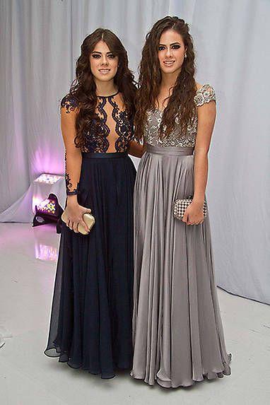 dbe951eae Paulina y Nicole Peña roban miradas en la graduación de Sofía Castro ...