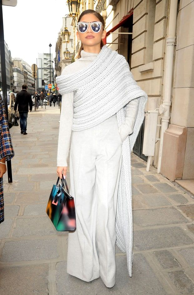 Zendaya 39 S Wrap Scarf Is Killing The Street Style Game In Paris Zendaya Christian Siriano And