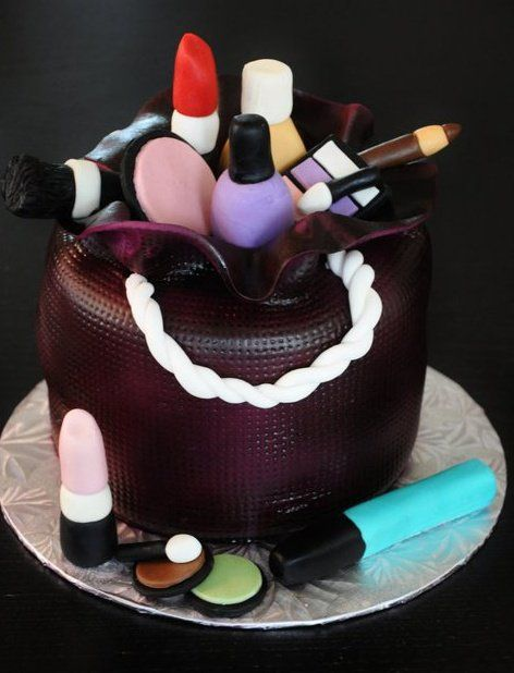 Makeup Kit Cake Design : Makeup cake - mmm want this :) Fondant Cake Ideas ...