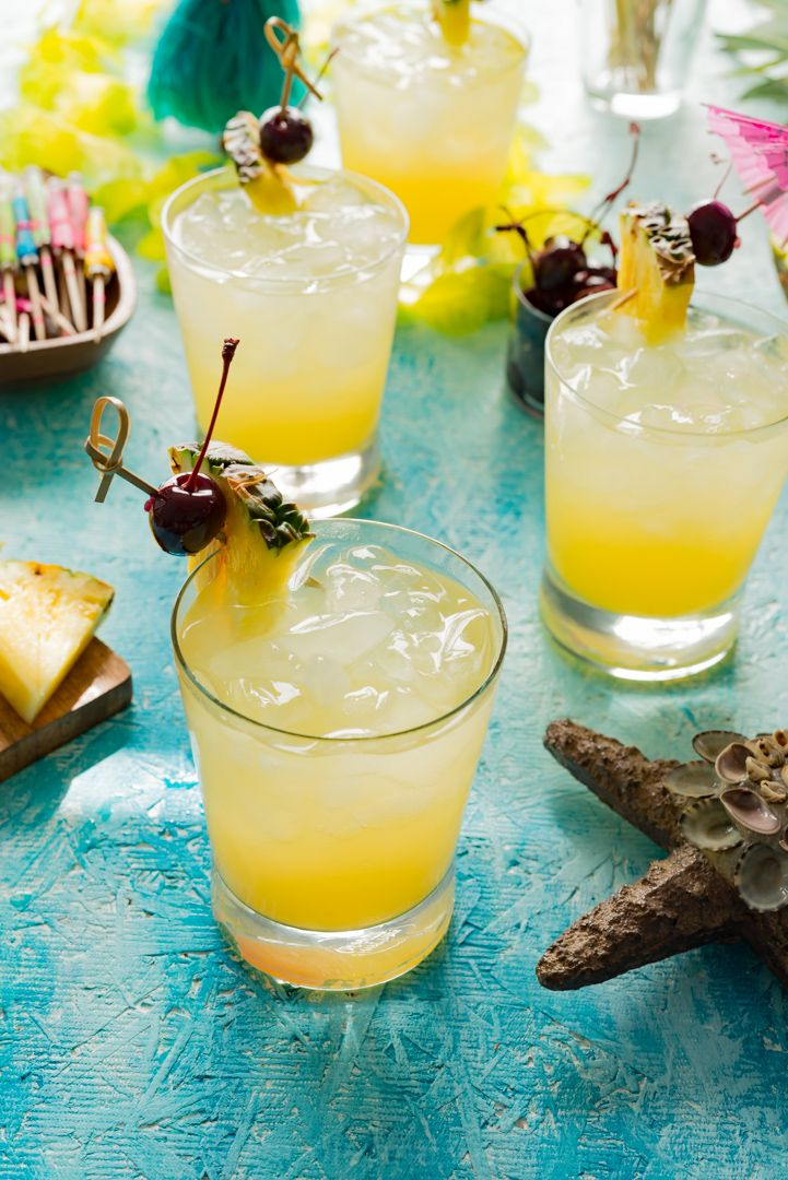 If you like Piña Coladas…..but not all the calories…. try my Skinny Pina Coladas made with Koloa Rum Company Kaua'i Coconut Rum! Thank you to Koloa Rum Company for sending me a de…