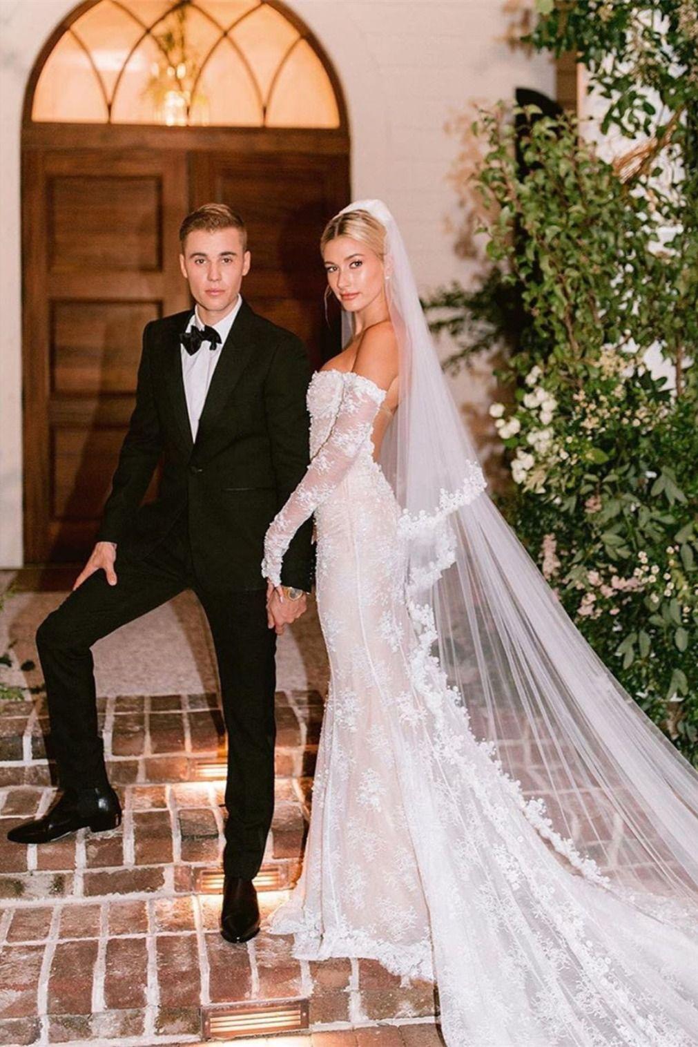 Long Sleeves Lace Wedding Dresses Mermaid Bridal Gowns Wd319 Wedding Dresses Celebrity Wedding Gowns Hailey Bieber Wedding [ 1516 x 1011 Pixel ]