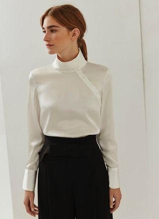 f4aff566350e Camisa de seda con ojal lateral | Moda | Camisas de seda, Blusas y ...