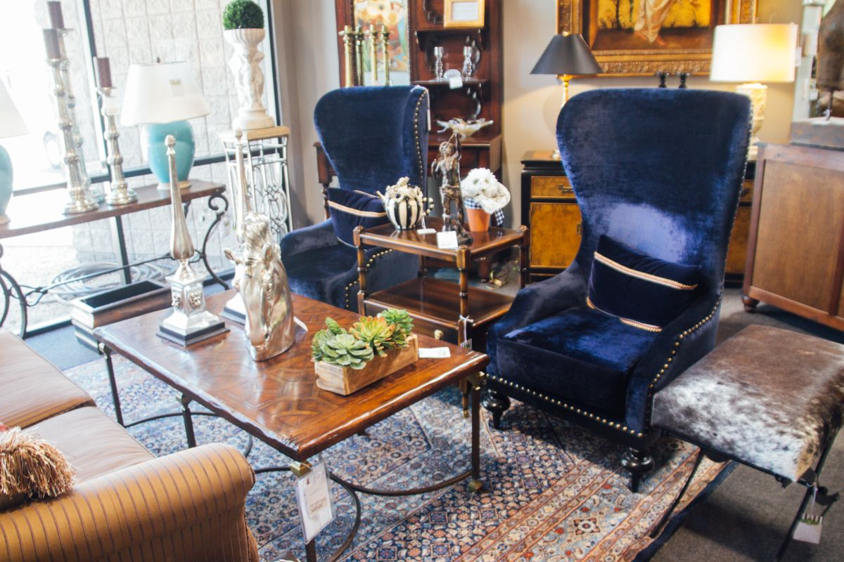 Superb Scottsdale Furniture Consignment, Antiques, Artwork And Home Accessories.