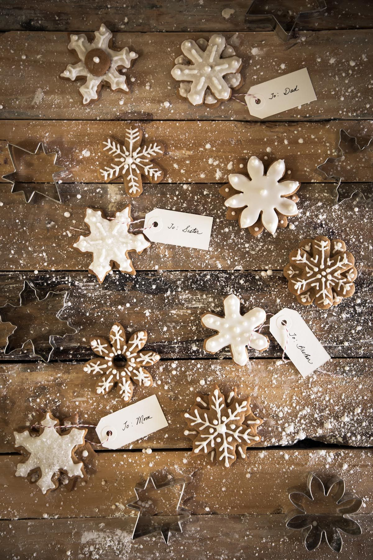 gingerbread snowflakes at chasing delicious from rvank. Black Bedroom Furniture Sets. Home Design Ideas