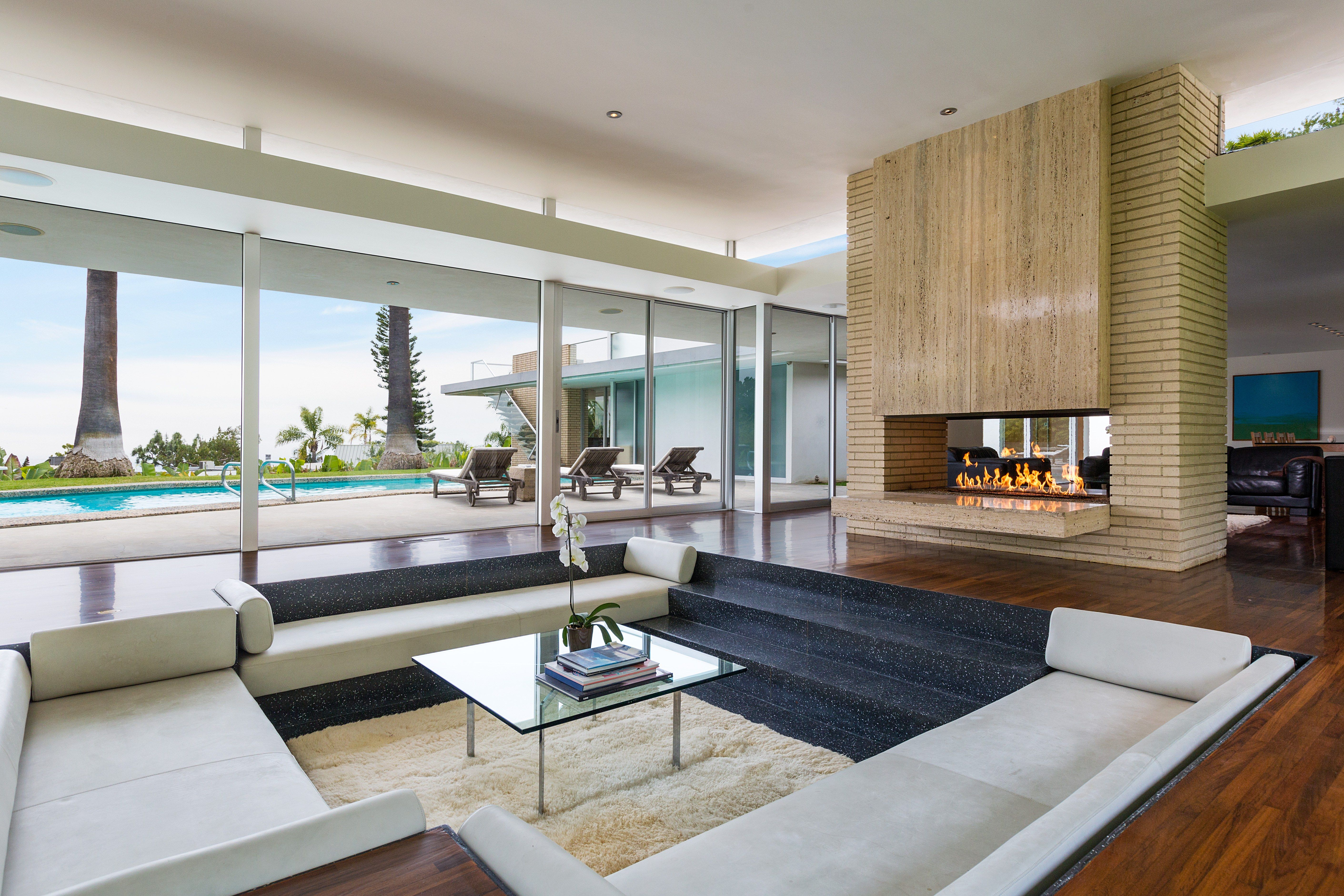 howard hughes s beverly hills home is listed for 10 5 million