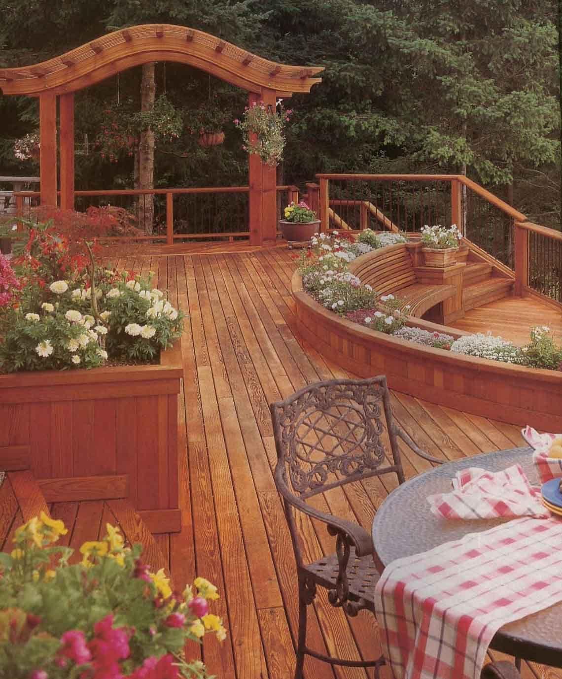 Beautiful Cedar Deck With Planter