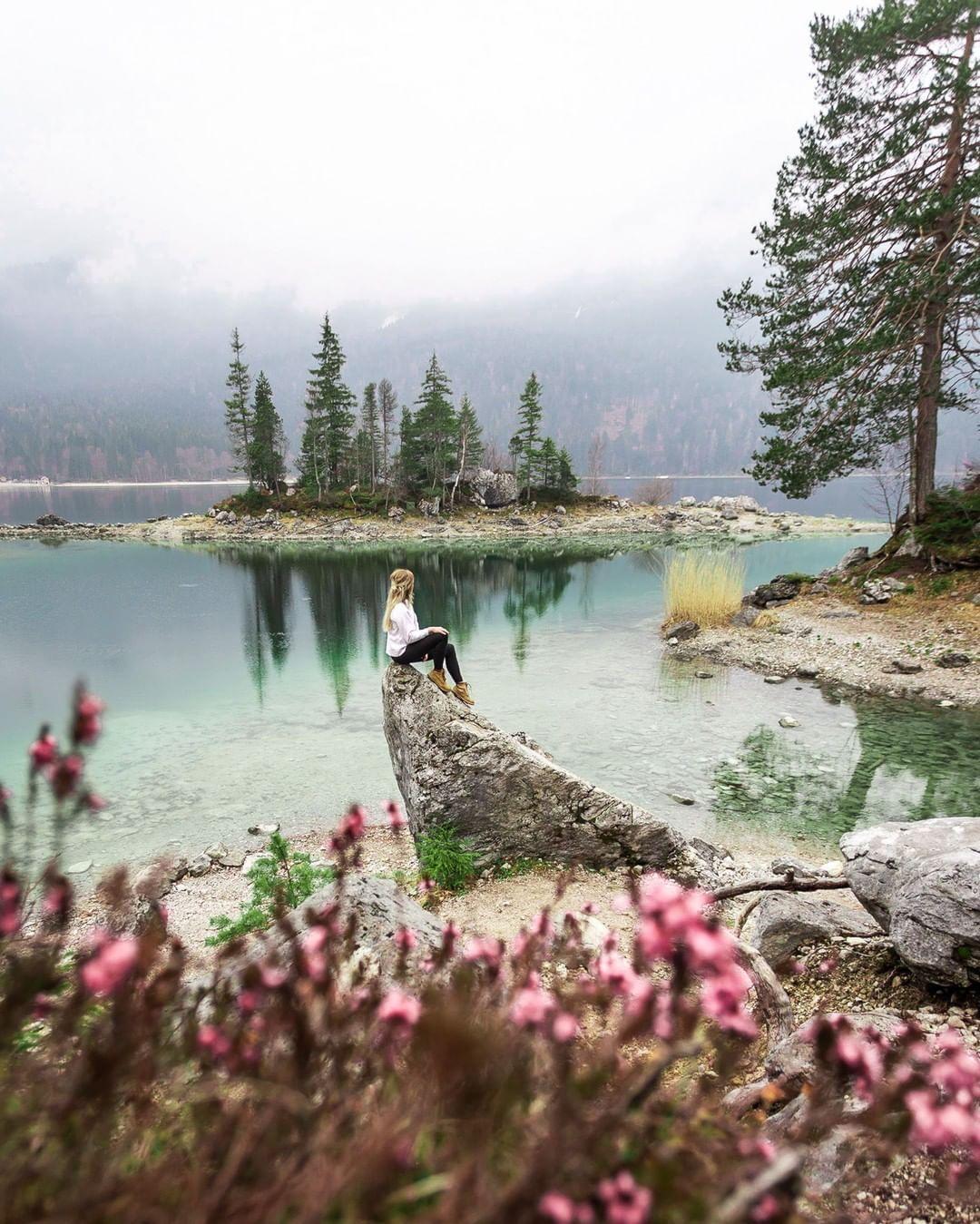 Binmalkuerzweg Posted To Instagram Ich Liebe Diese Farben Der Eibsee Und Seine Wasserfarbe Sind Einf In 2020 Best Vacations Nature Photography Instagrammable Places