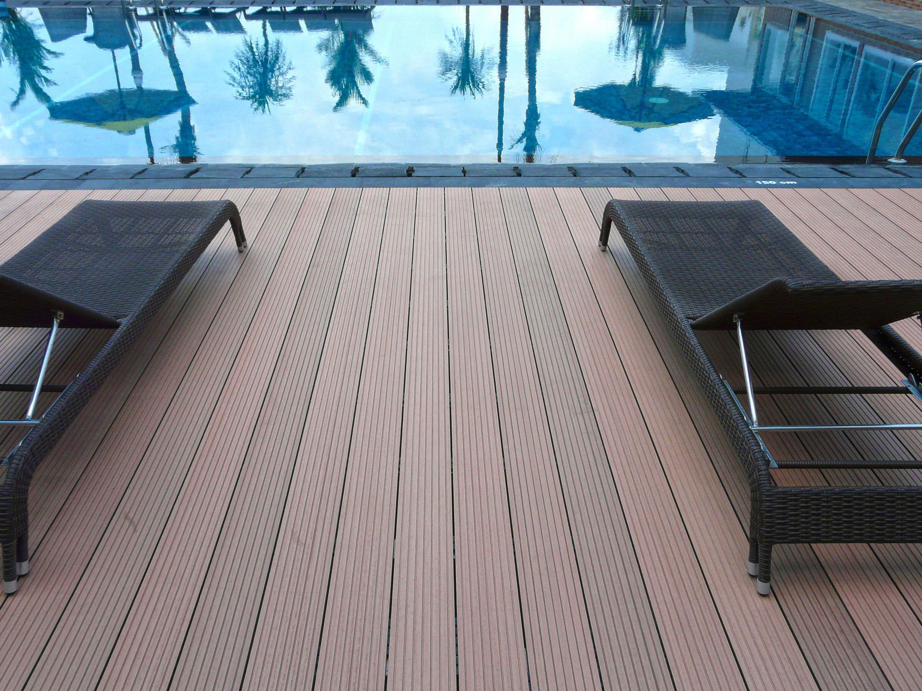 Cheap Build 24 Foot Pool Deck Buildadeckcheap Wood Pool Deck Building A Deck Pool Deck Floor