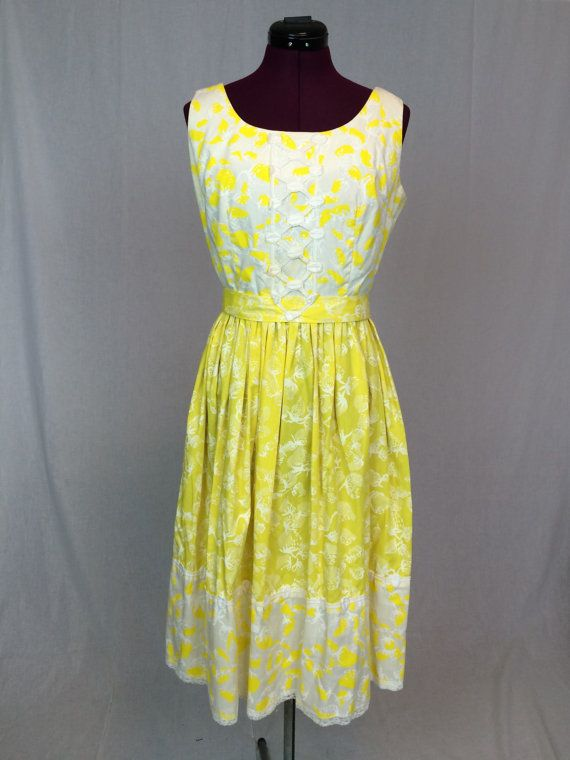 Vintage Shifts Internationale Yellow & White by ArchiveVintageHaus