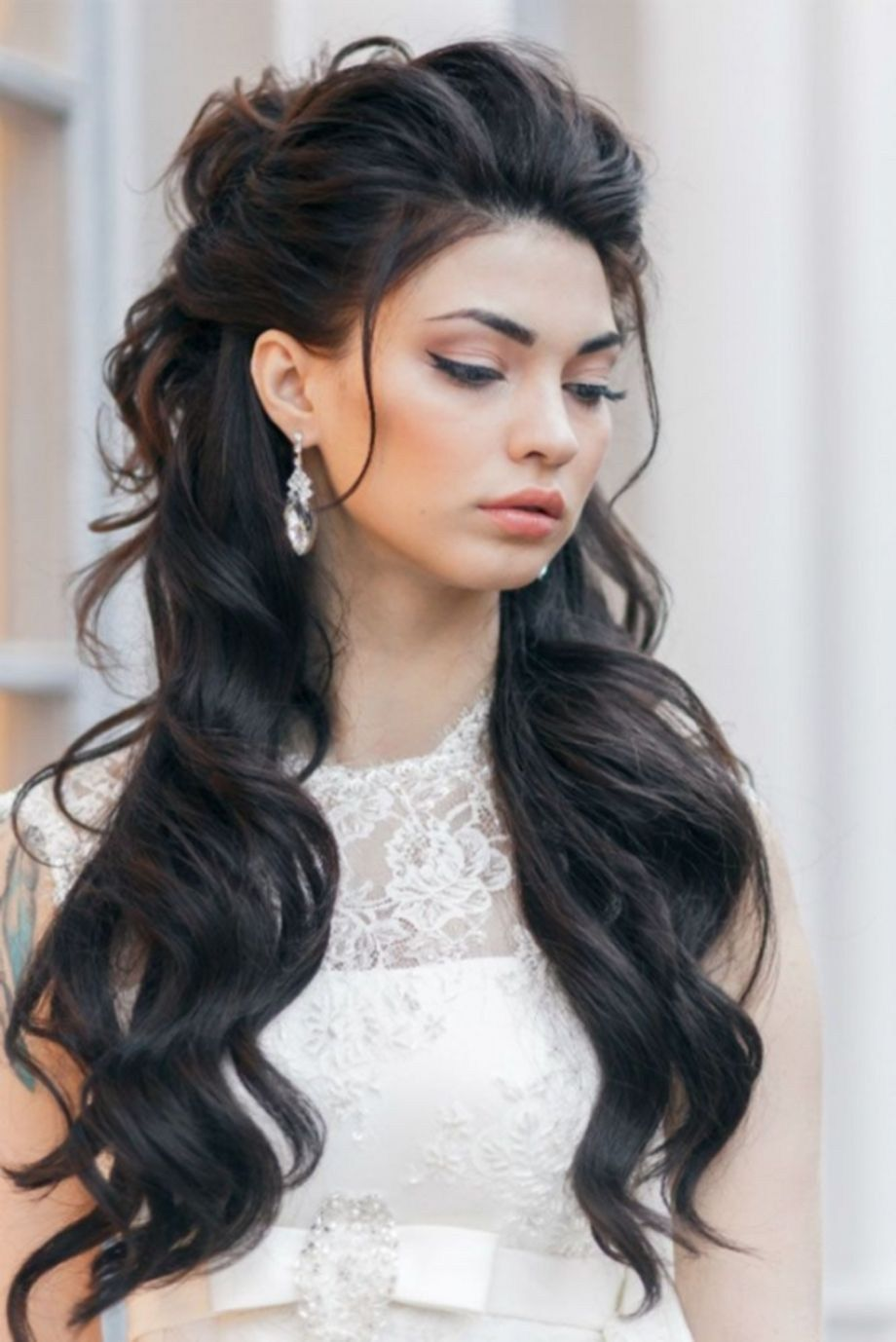 55 Beautiful Wedding Hairstyle Ideas With Bangs For Long Hair | Wedding hairstyles, Half updo ...