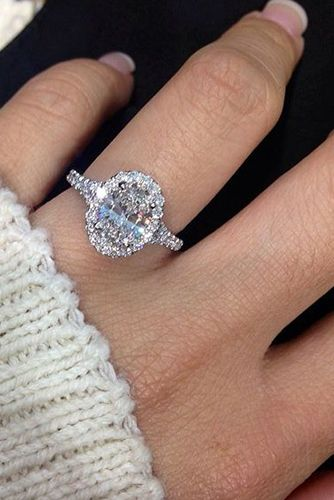 35dc60d17adc The Chic Technique  Oval diamond engagement ring. Beautiful ...