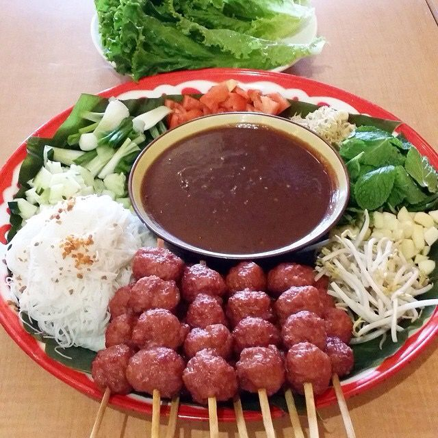 Hmong Wedding Food: Lao Nam Nuong #lettucewraps