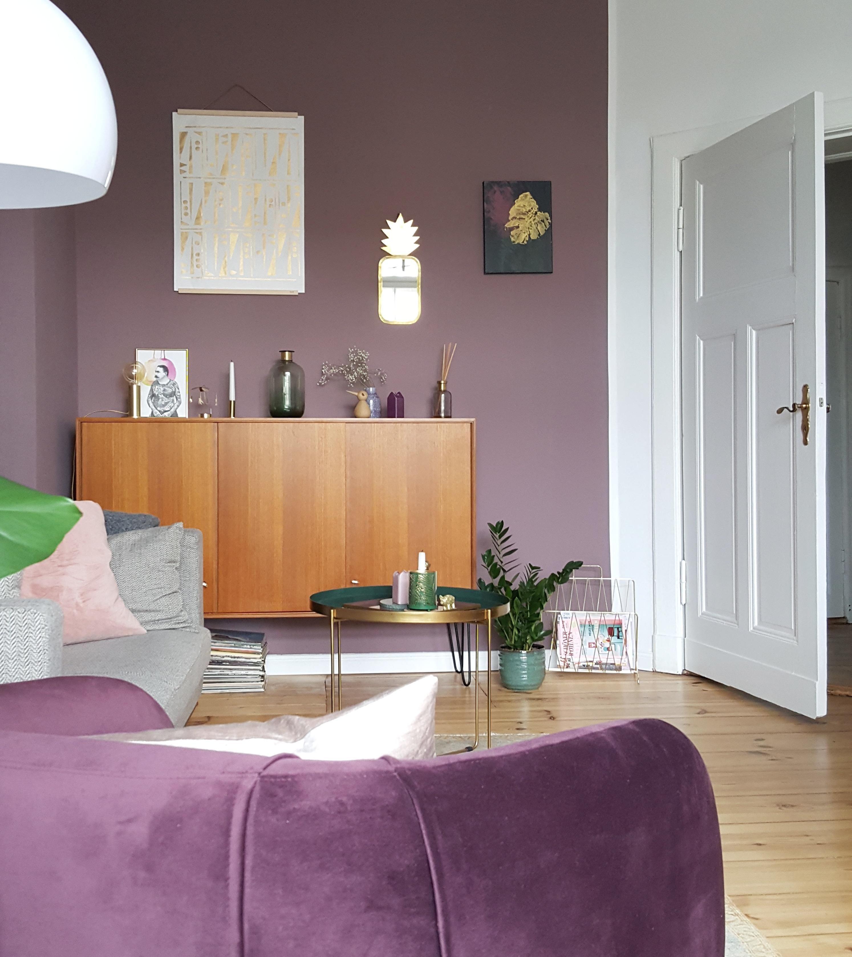 #skandinavisch #wohnzimmer #lila #violett #sideboard