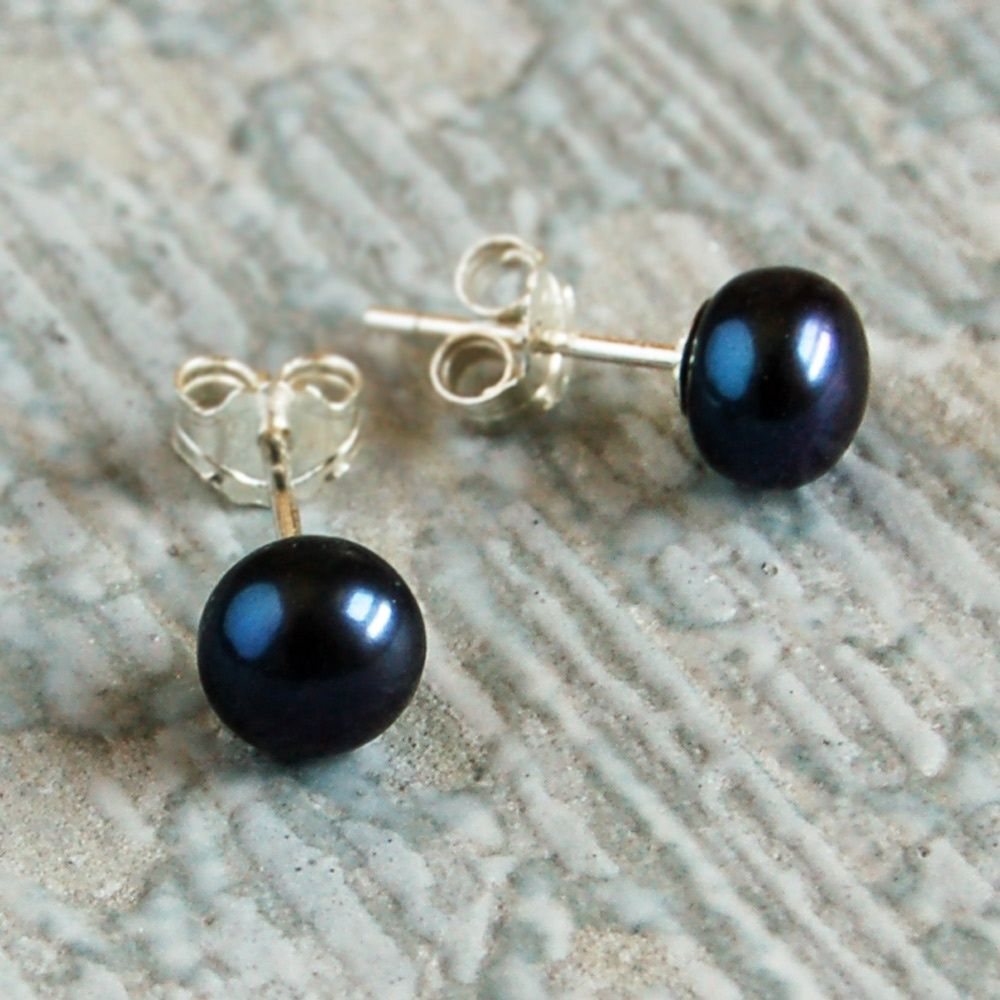 Black Pearl Stud Earrings 8 00 Freshwater Engraved Silver Jewellery Personalised Mens Womens Gifts Online Uk