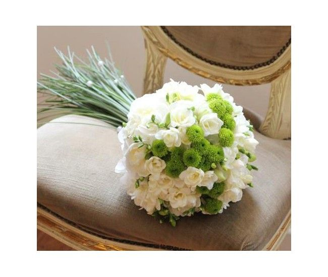 Bouquet De Fleurs Vert Et Blanc Pour Mariage Champetre By France