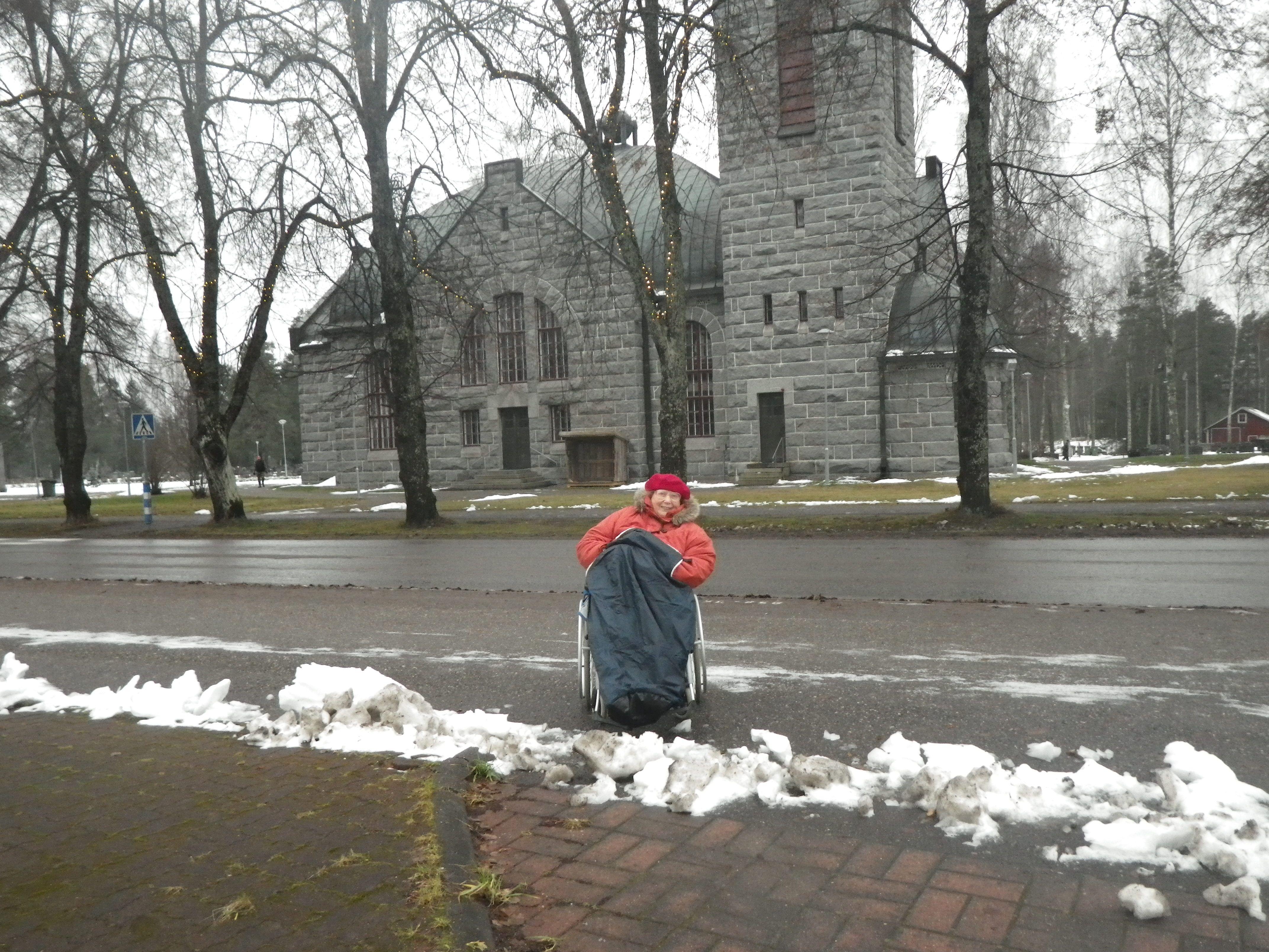 Lumet lähes sulaneet!