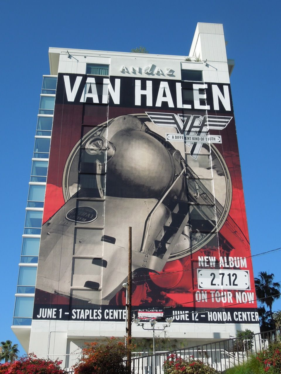 Giant Van Halen A Different Kind Of Truth Billboard Advertising For Movies Tv Fashion Drinks Technology And More Van Halen Eddie Van Halen Billboard