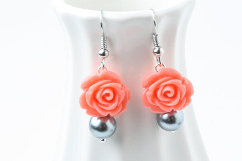 Coral and Grey earrings, Bridesmaid earrings, coral and Grey wedding jewelry, coral rose and grey pearl earrings, bridesmaid gift by CharmanteBijoux on Etsy